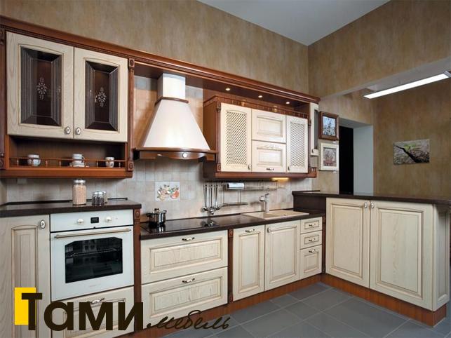 Кухня с фасадами из массива 1