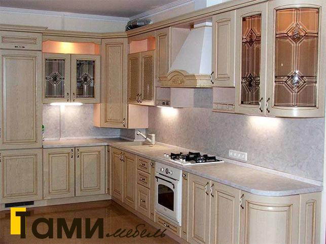 Кухня с фасадами из массива 16