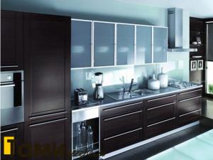 Кухня с фасадами из массива 333