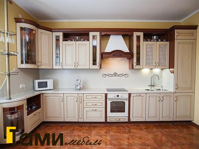 Кухня с фасадами из массива 5