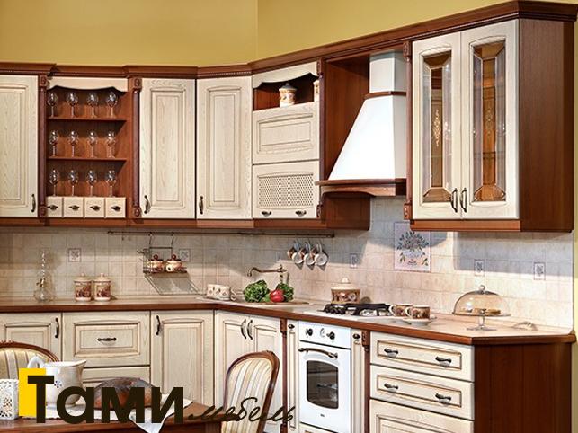 Кухня с фасадами из массива 6