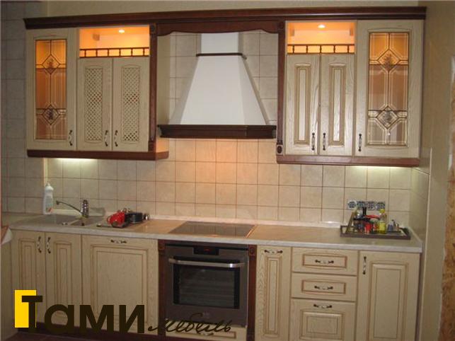 Кухня с фасадами из массива 7