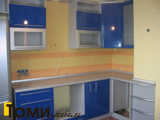 Кухня с фасадами пленочный мдф28