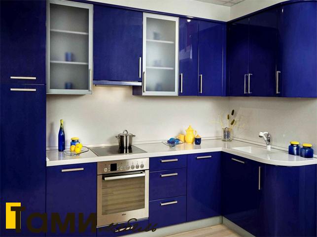 Кухня с крашенными фасадами 21