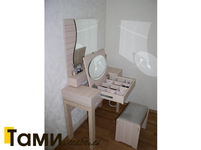Туалетный столик 3