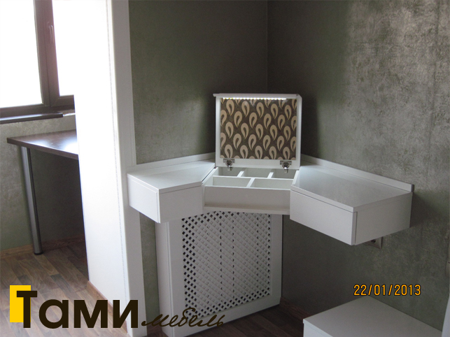 Туалетный столик на заказ в Гомеле