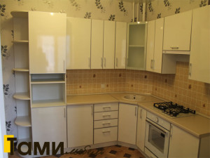 кухня с фасадами из дсп19